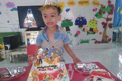 sinh nhật trẻ lớp Bé 2