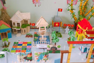 Hình ảnh lớp bé 1 thi thiết kế môi trường hoạt động cho trẻ